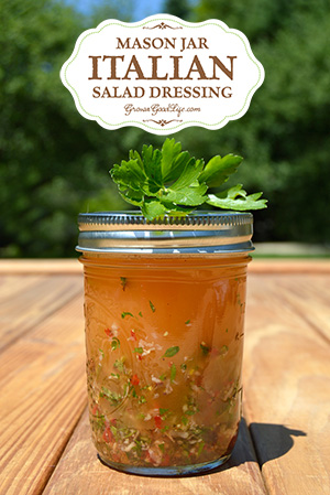 mason-jar-Italian-salad-dressing