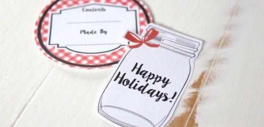 holiday-mason-jar-canning-label-and-tag-close-up-698x465