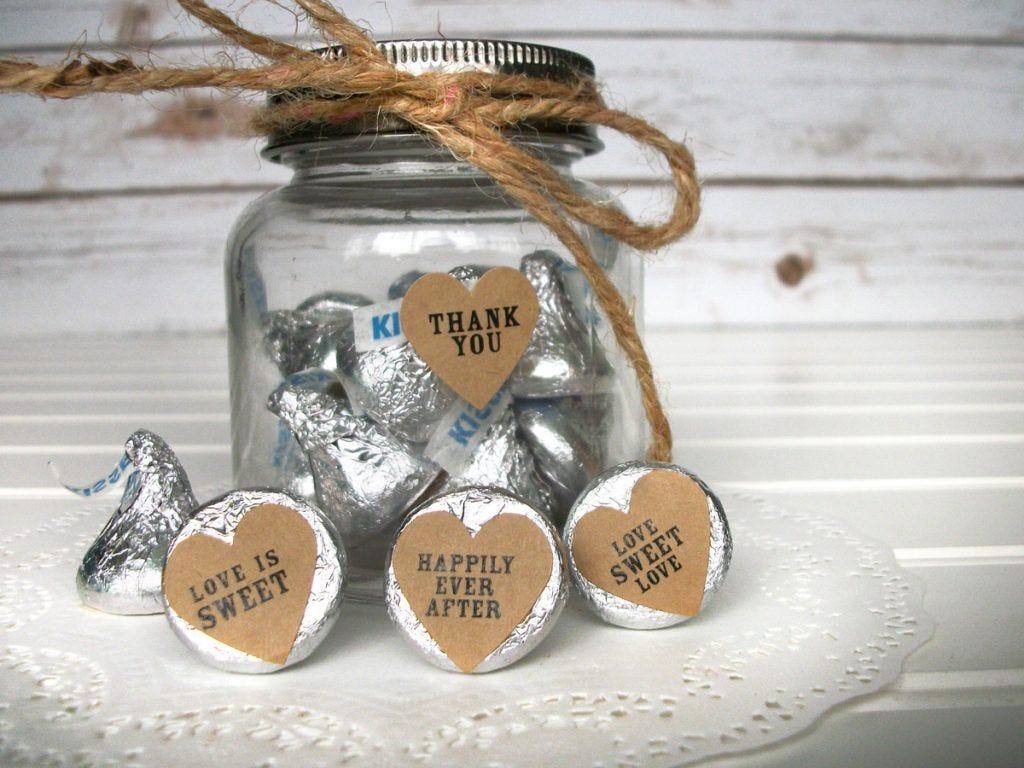 wedding-shower-favor-heart-kiss-labels-kraft-3